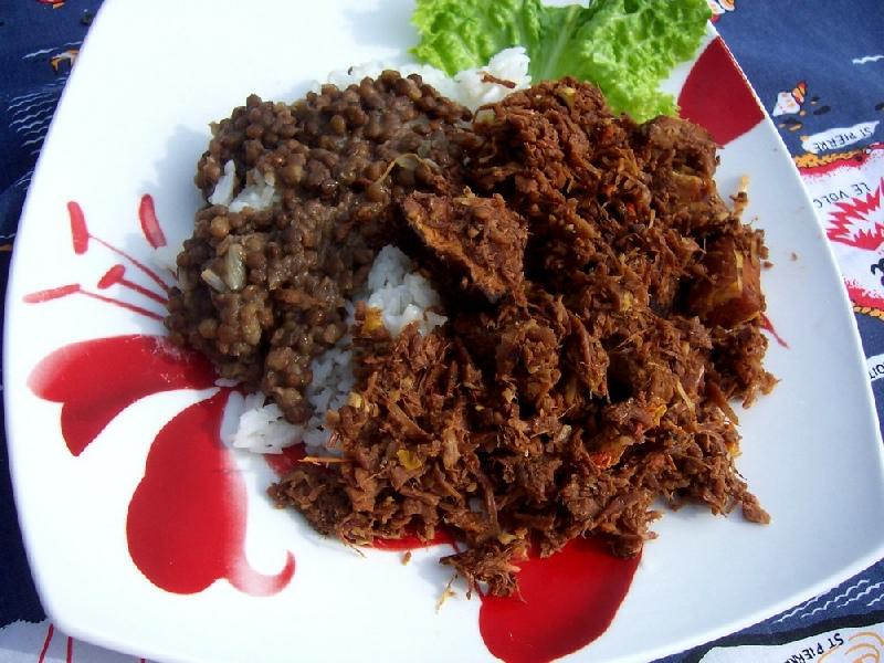 Cuisine r unionnaise pour buffet cari poulet rougail boucan poulet coco poulet massal - Portion de viande par personne ...